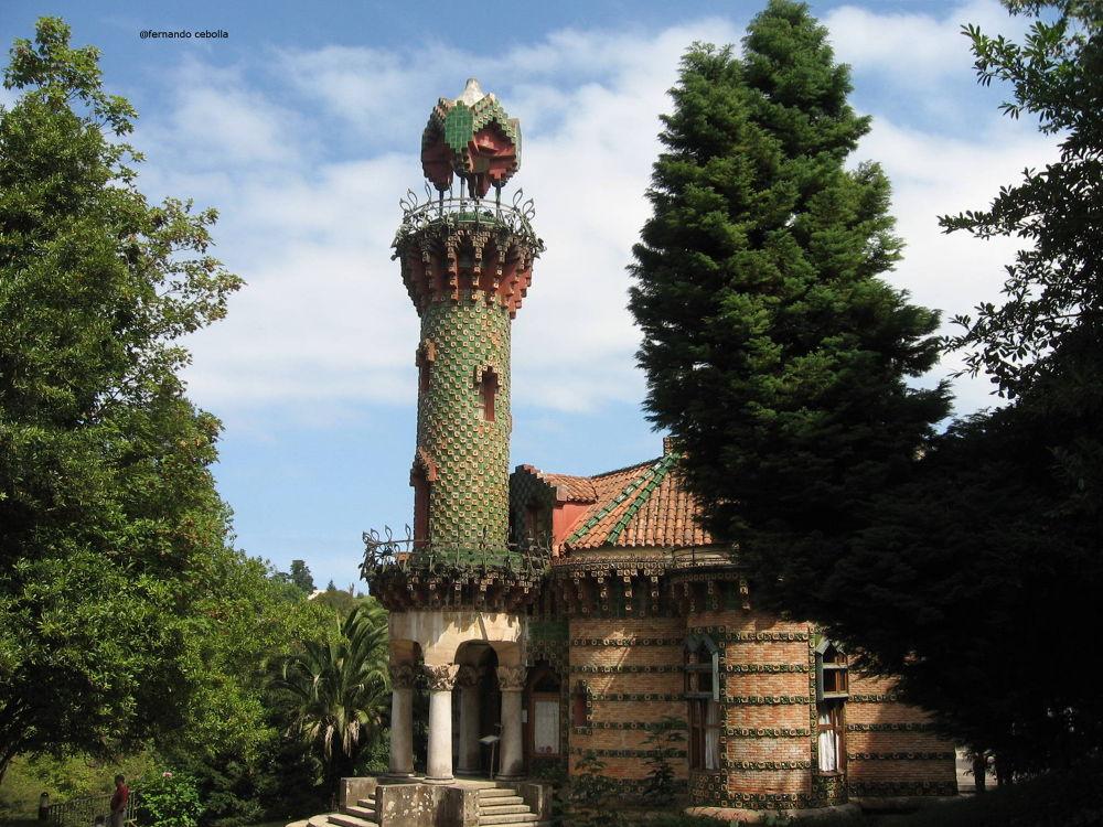El capricho de Gaudí, Comillas, Cantabria. by Polidaschamineras