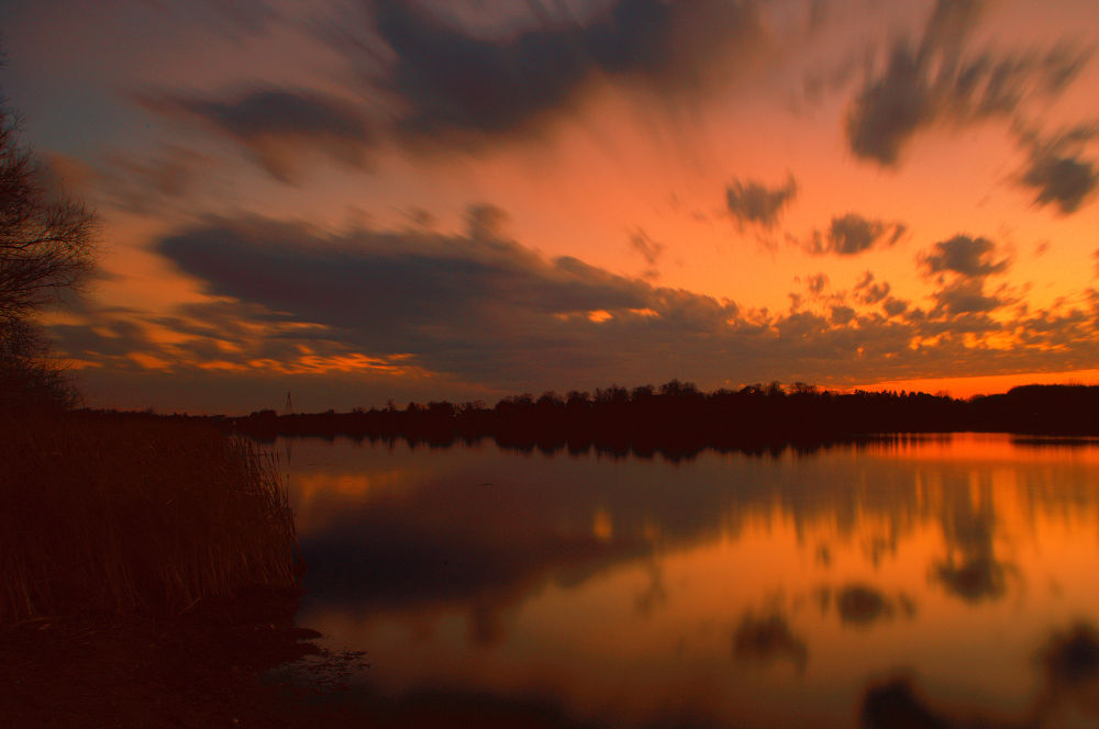 Hyde Lake Long Exposure by chaaland