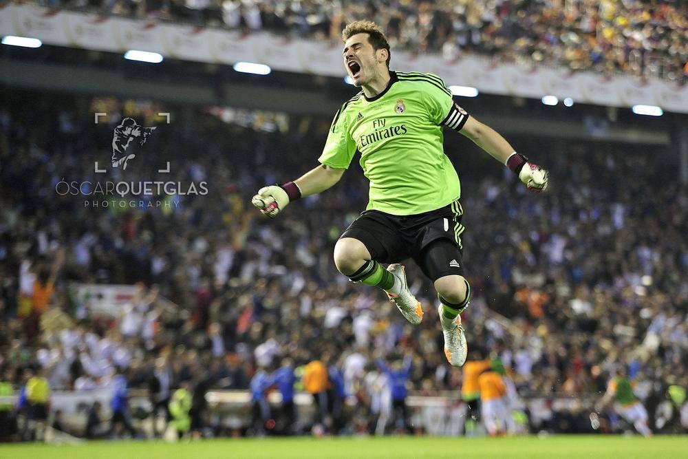 FC Barcelona - Real Madrid by Oscar Quetglas Navarro