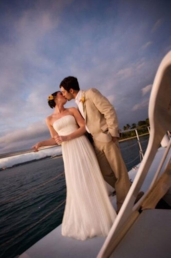 Romance on boat by Rafael Sotomayor Photography