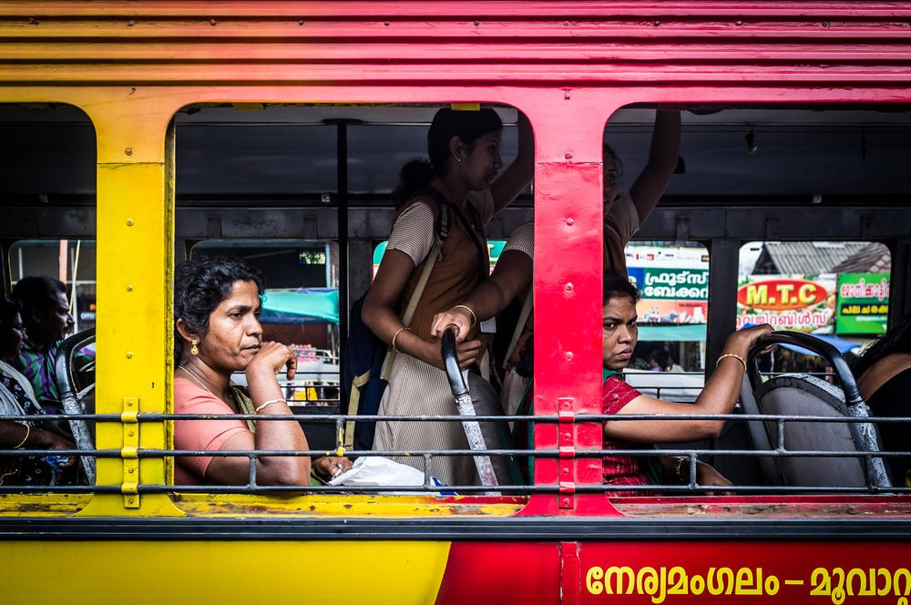 Photo in Travel #bus #portrait #travel #voyage #colors #couleurs #women #india #inde