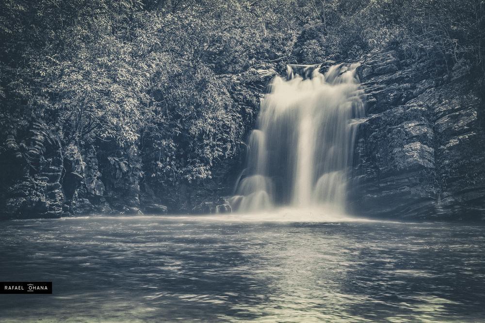 Cachoeira em Pirenópolis by Rafael Ohana