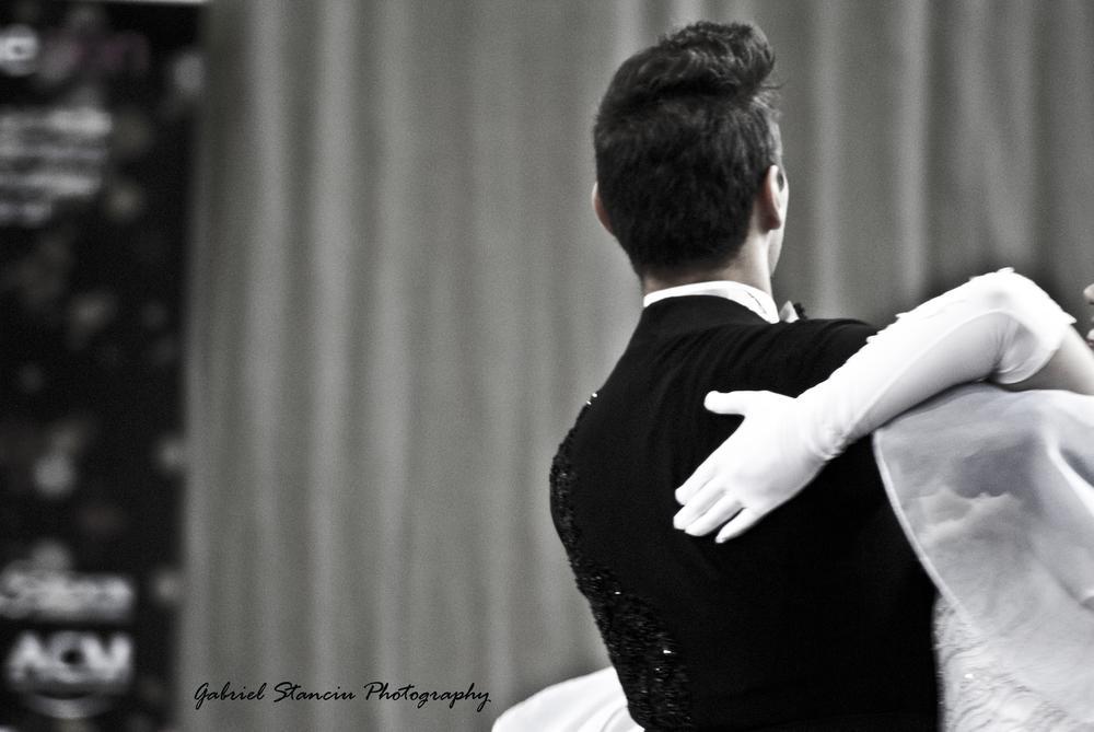 Dancing by Gabriel Stanciu