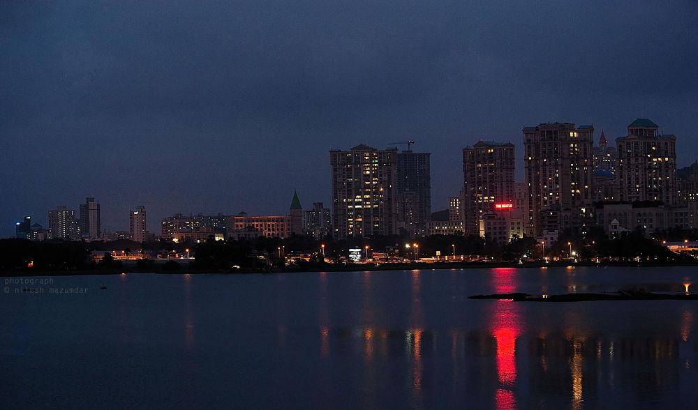 Mumbai Skyline  by nileshmazumdar