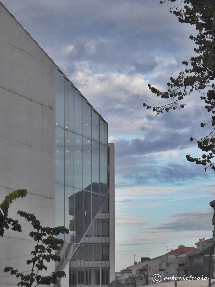 Morning reflections at OPorto... by Antonio F. Maia