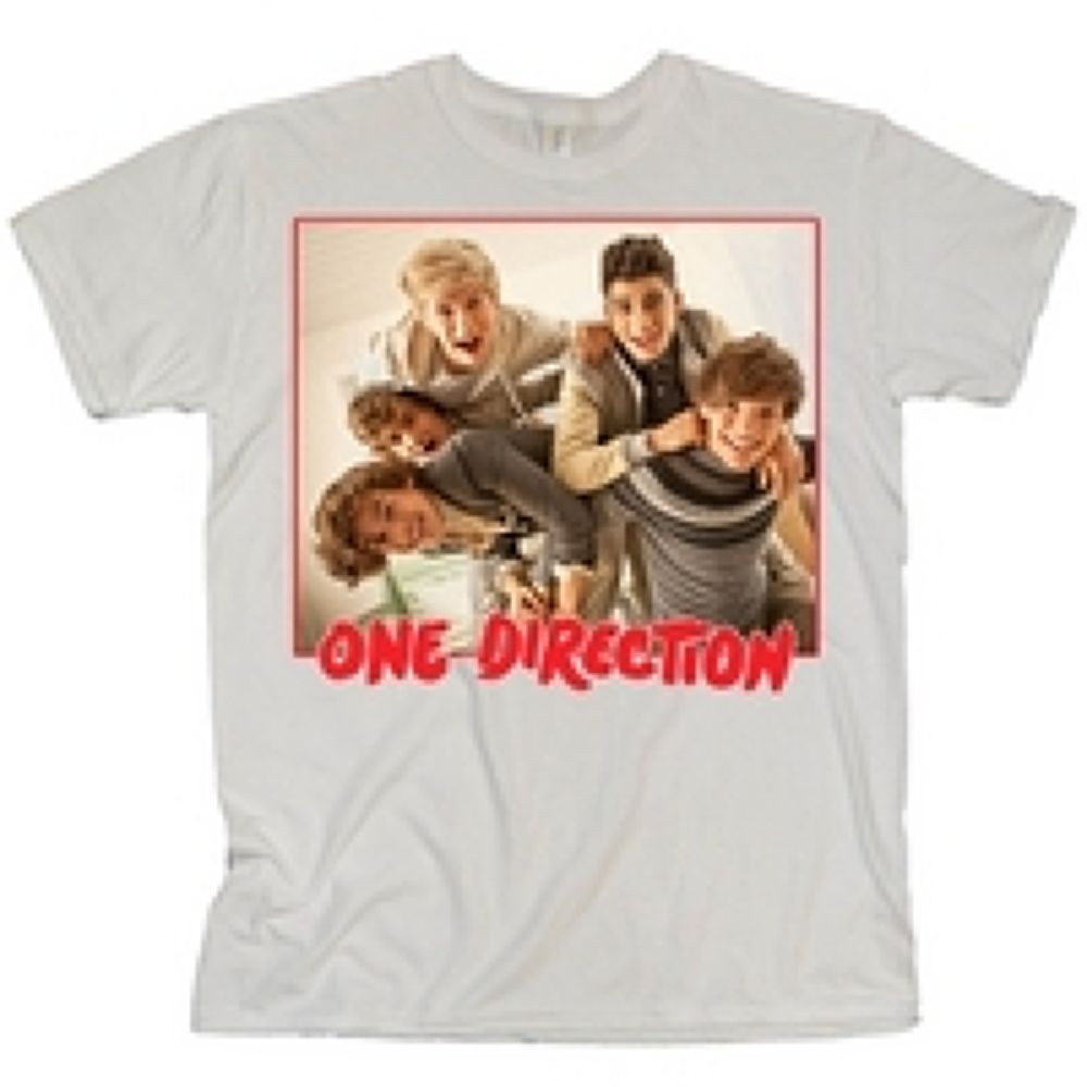 One-Direction-One-Direction-Red-Band-Photo-White-T-Shirt by KaylinOfficial17