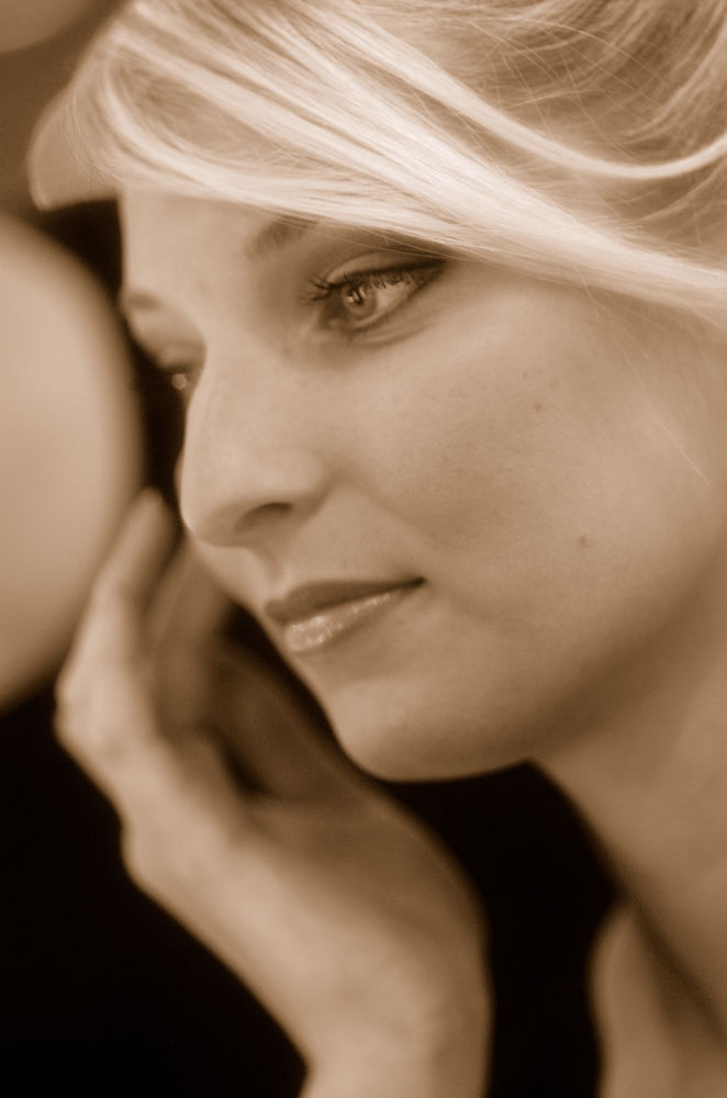 Delphine..portrait..1 by photosdan