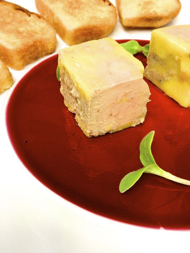 Foie gras Hibiscus Brioche  by JulienDiaz