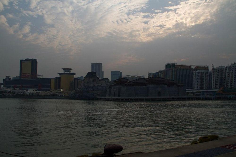 Macau-268 by Arie Boevé