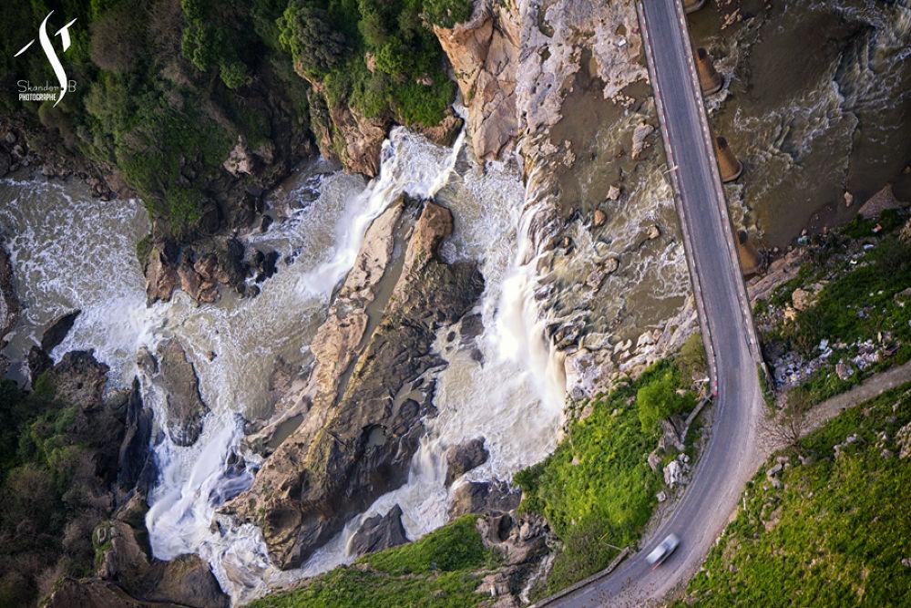 Le pont des chutes by Skander BENMOHAMMED