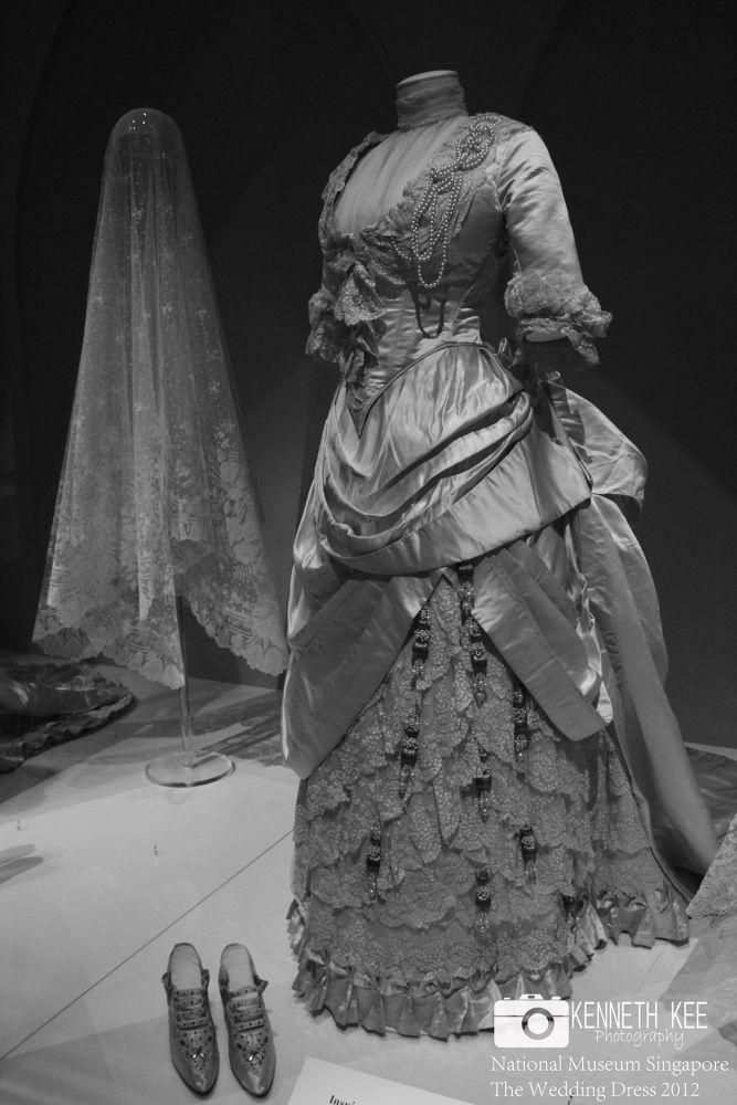 Singapore National Museum-The Wedding Dress by chengjun