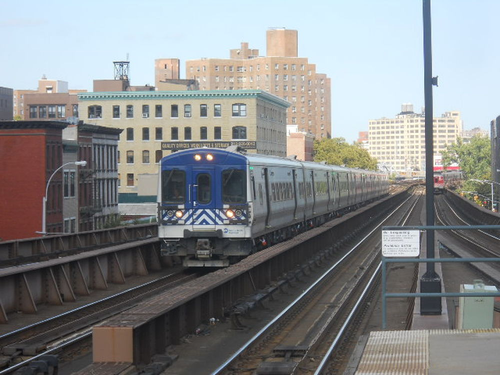 Metro North M7 by mark12