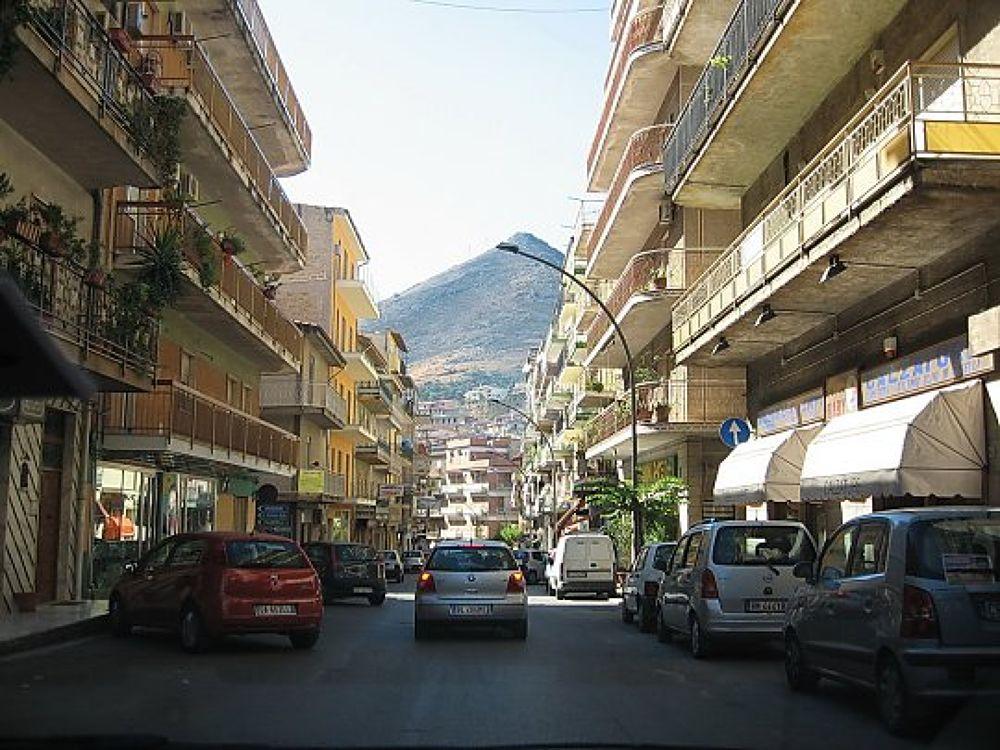 Metropolitan strada Italia by SuciuDaniel