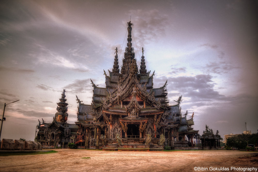 Sanctuary of Truth by hackhugger