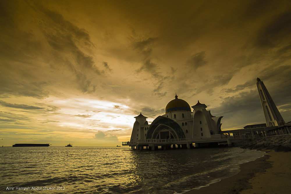 Selat Mosque, Malacca by AmirHamzah