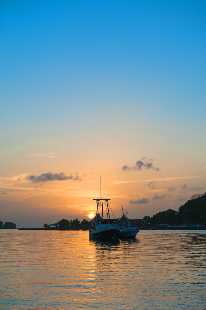 Sunset in St. Lucia by phonatic13