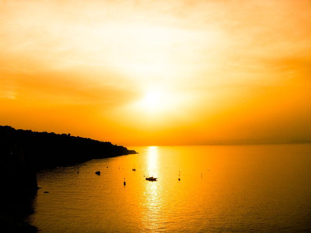 Sorrento Sunset by Alfie Shillingford