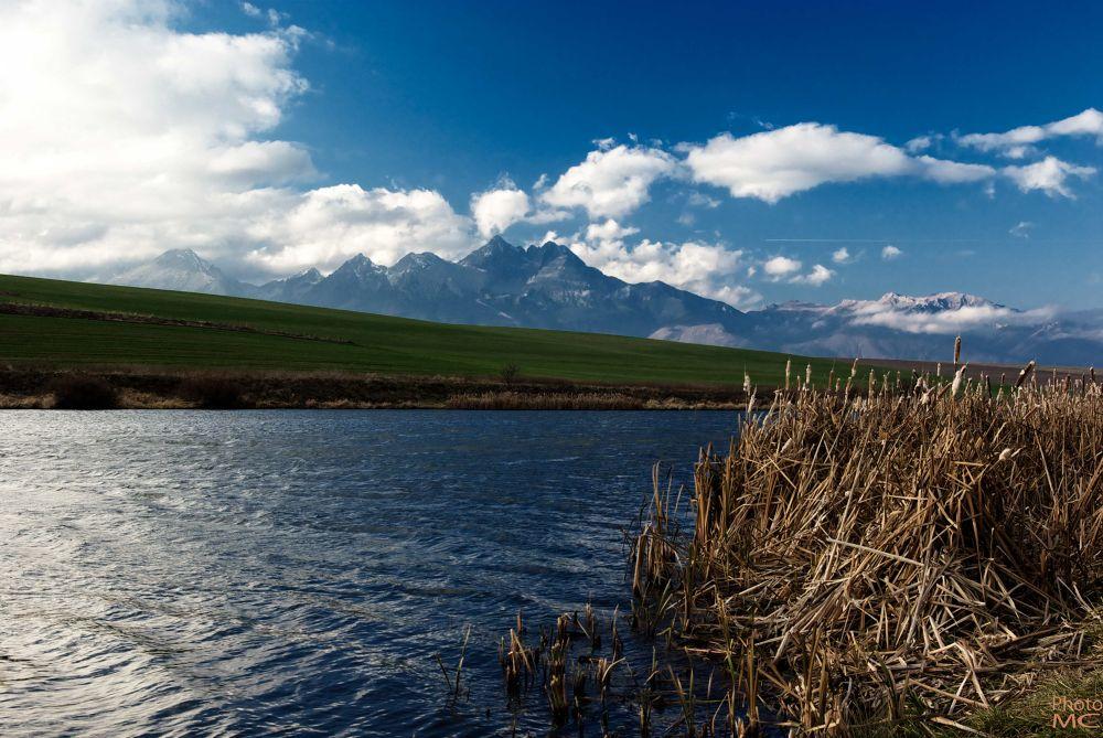 Autumn on the lake by cernakmilan