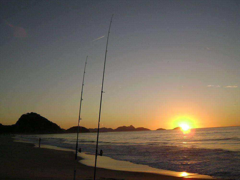 Pescando em Copacabana by Kenzo