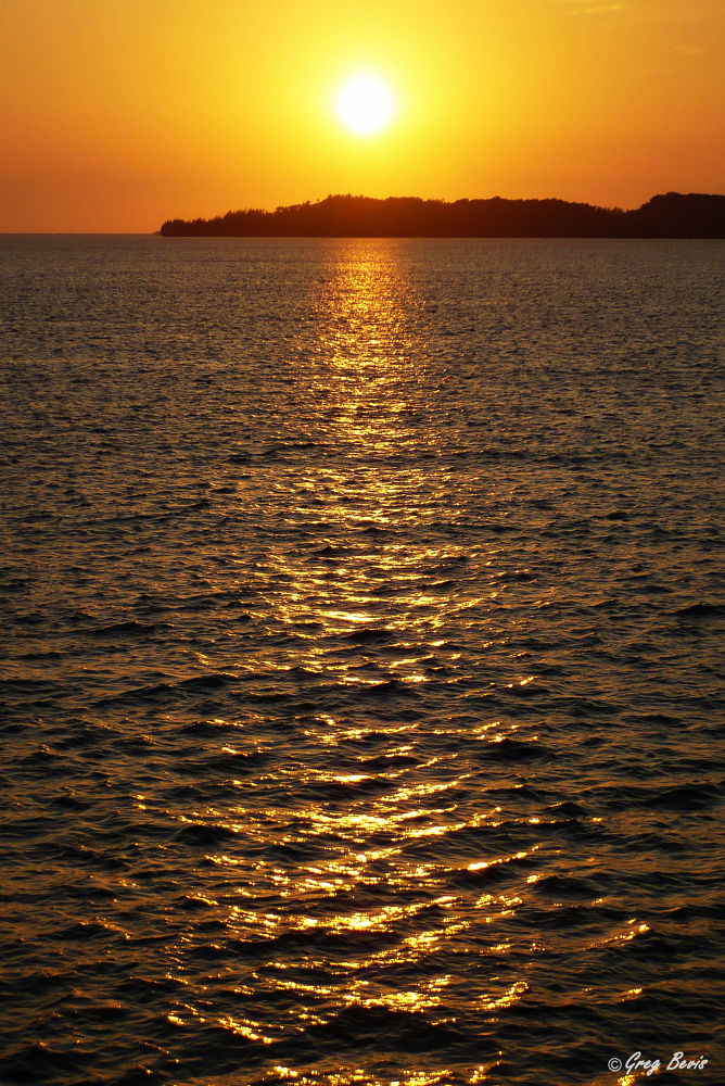 20090109-sunrisewater2 by gregbevis