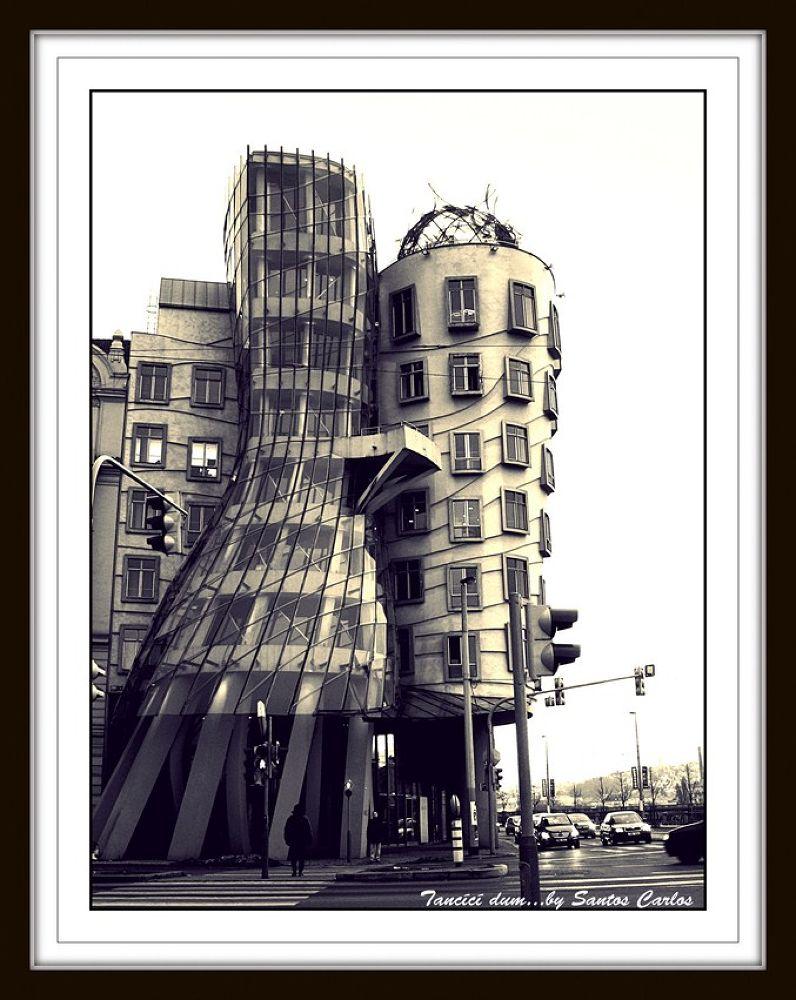 Maison qui danse... by carlossantosphotography