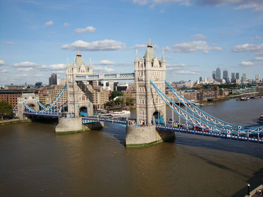Tower Bridge by RaoniFrizzo