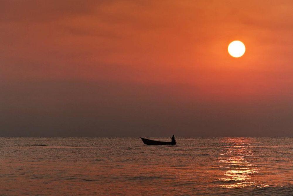 Caspian sea by AminDogoonchi