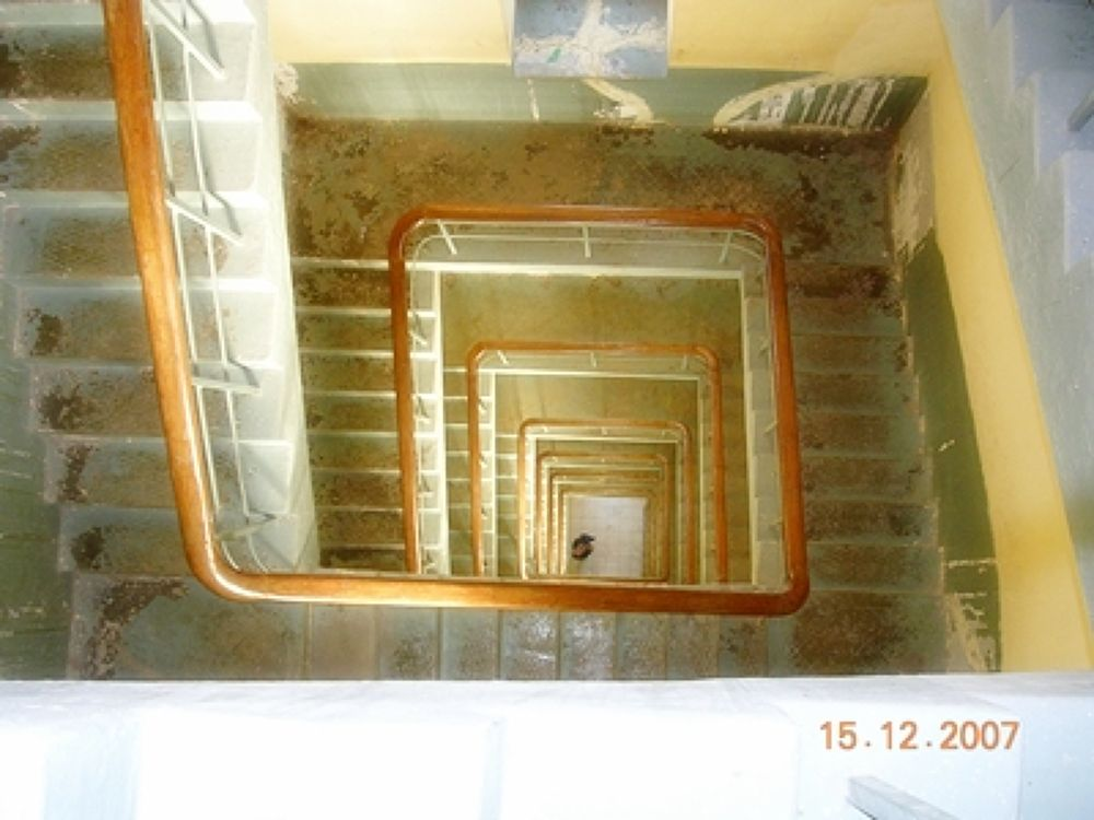 Down stair...! by varadsavla
