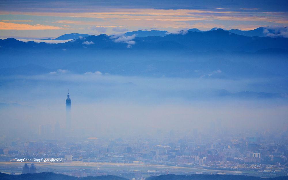 2012.11.28.22 by TonyChen