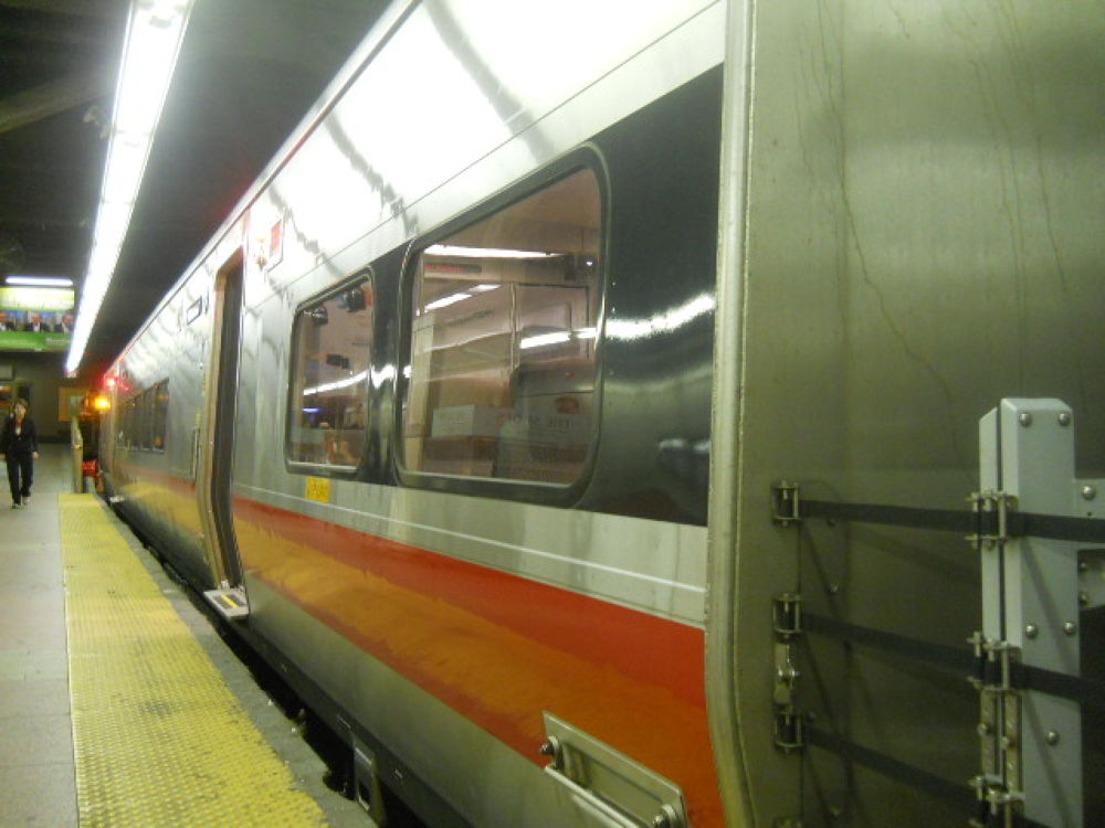Metro North M8 by mark12