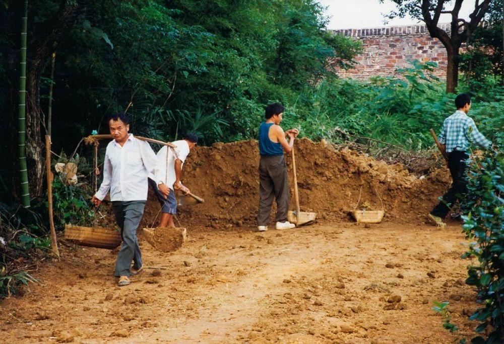 Hunan_Dayong_Countryside_1998-113 by Arie Boevé