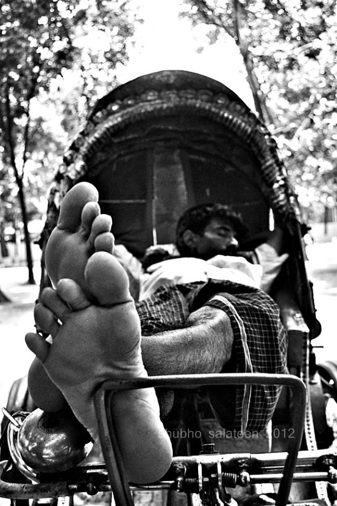 Black and white life of a rickshaw puller in Dhaka by Shubho Salateen