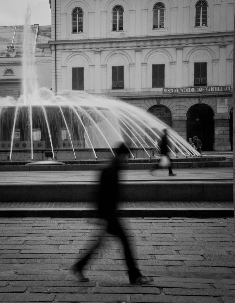 Piazza De Ferrari Genova by annadria