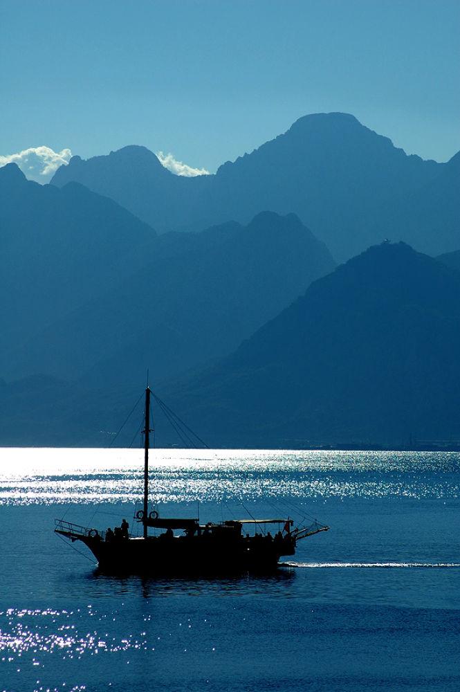 BLUE SEA  by ahmet07