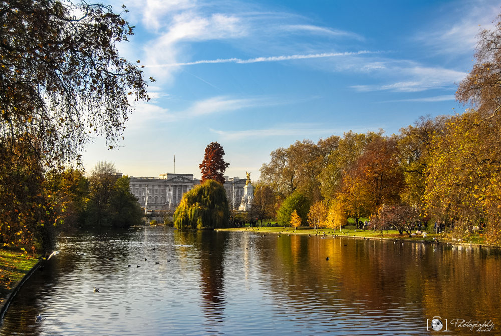 Autumn in London by PhotographicLecce