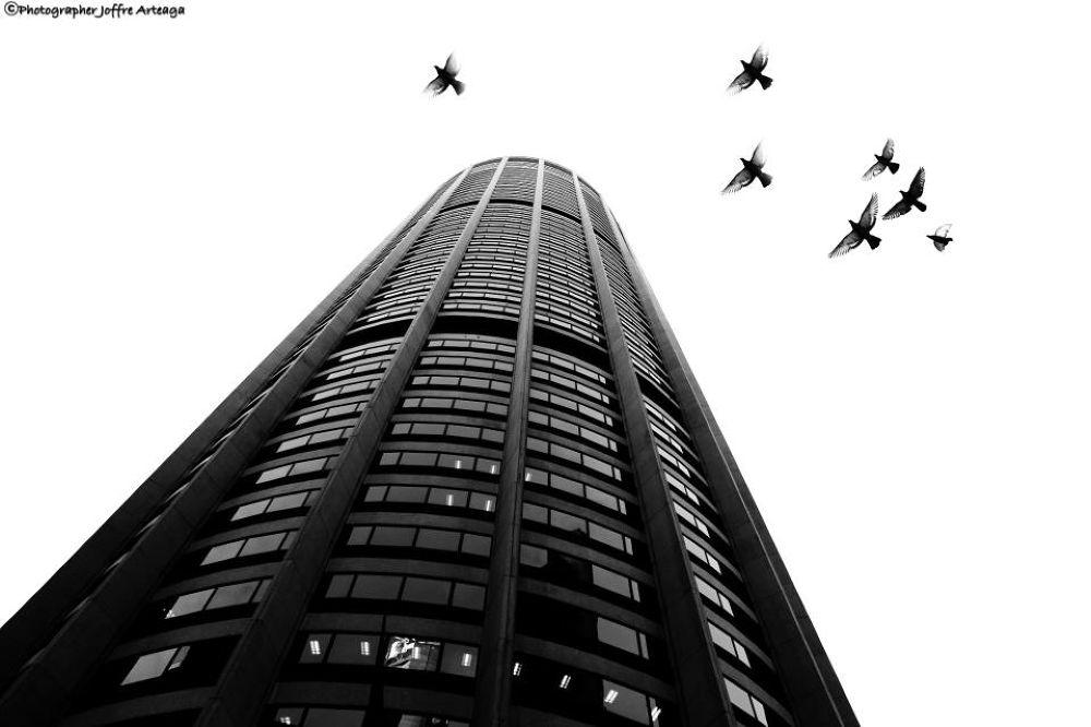Sky Traffic by joffrearteaga