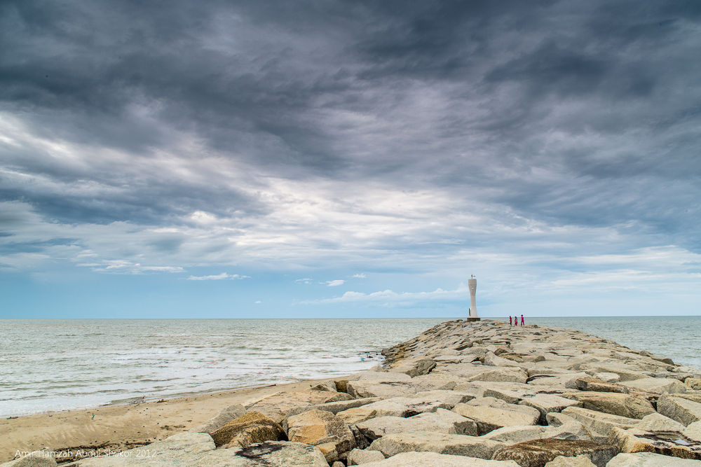 Kuala Senok Lighthouse by AmirHamzah
