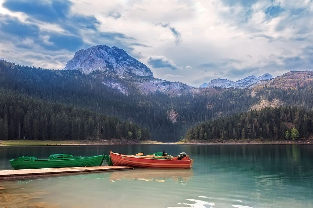 Black lake by djanibardoti