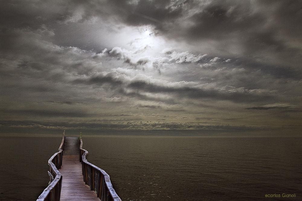 Puente-al-horizonte by cgianoli