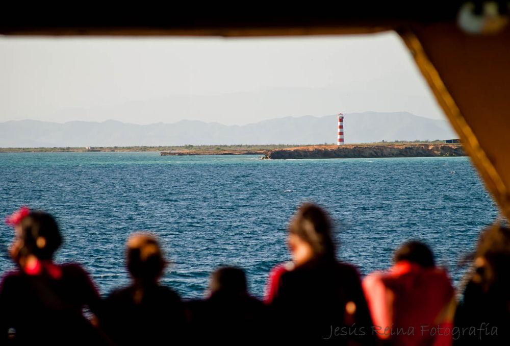 Faro de Cubagua visto desde el Ferry by jesrei