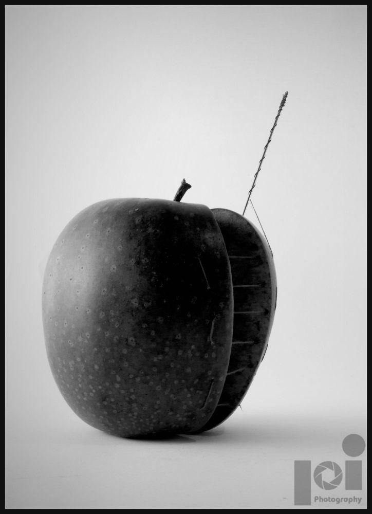 Fix the apple by iztokp