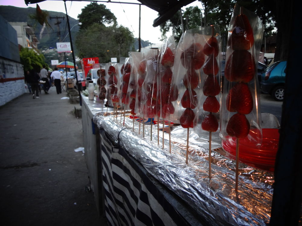 To be covered - chocolate strawberries by xshake