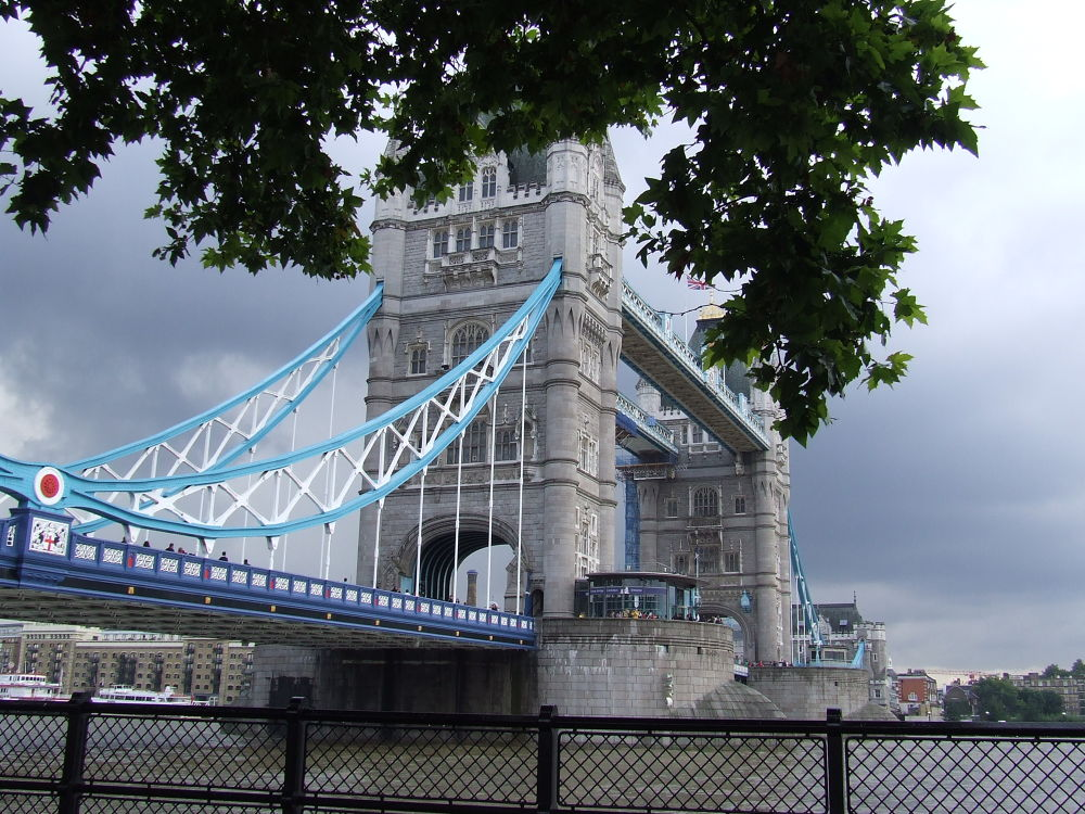Tower bridge, London by leila
