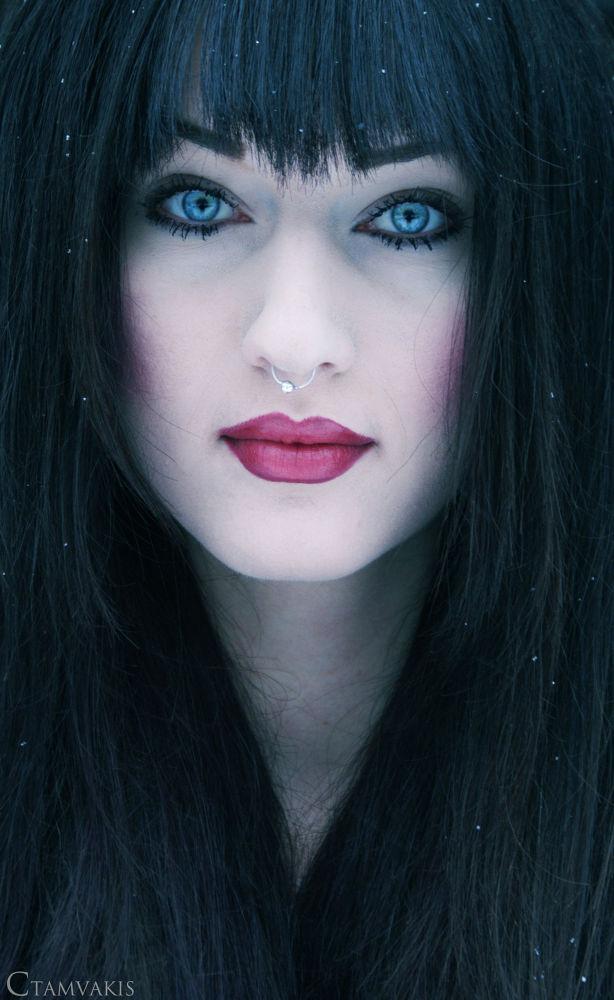 Snow White by CarolinaTamvakis