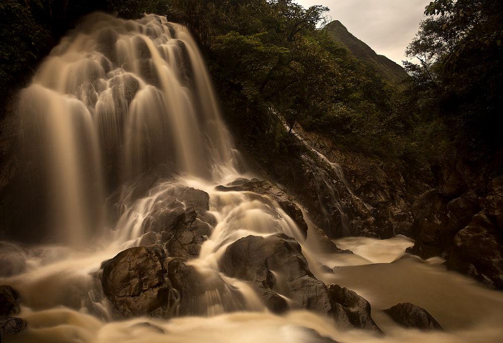 Water-2 by ugurke