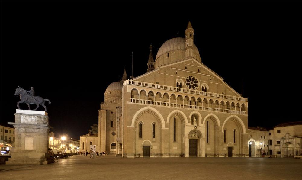Padua - Sant' Antonio Basilica and Gattamelata statue (Donatello) by alshiavo