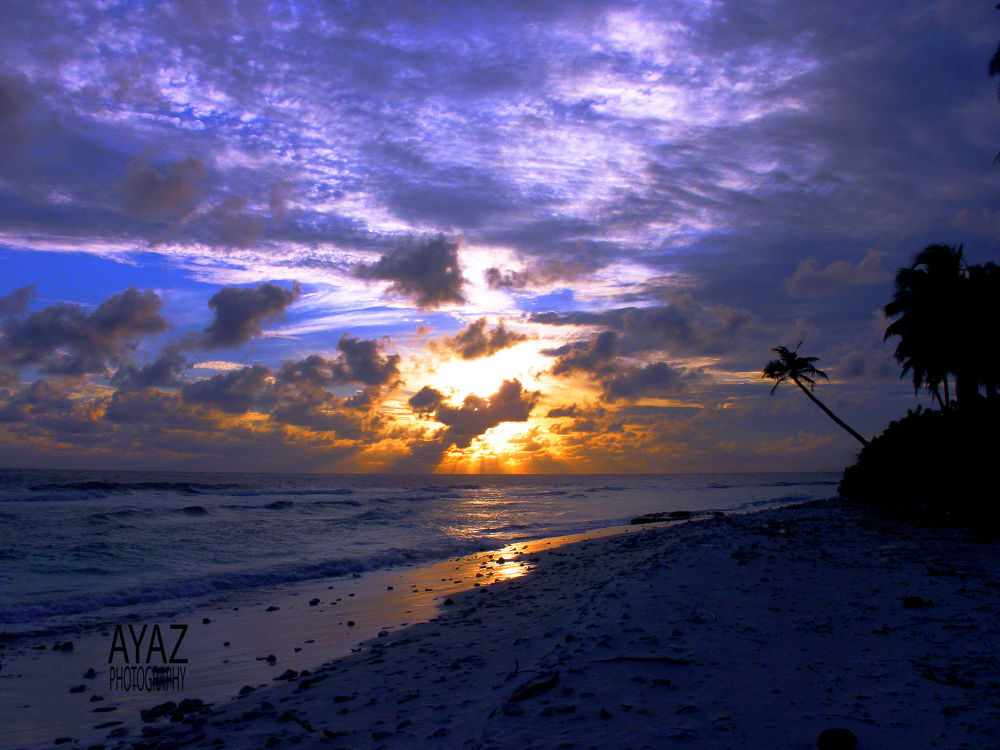 sun rise by AyazPhotography