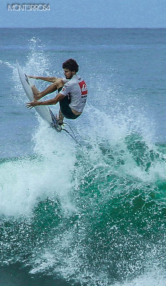 Surfer Punta Roca 2012 by mont3rros4