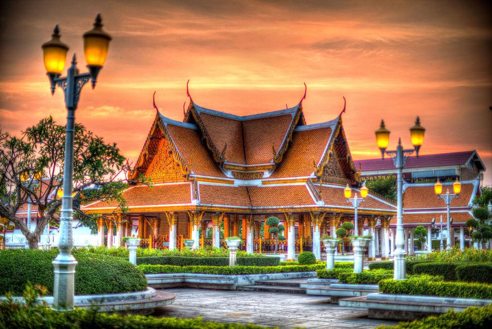 Temple, Bangkok, 2013 by Zeno Bresson