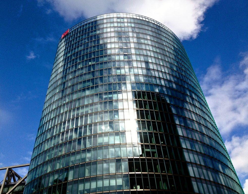 DB Tower . Berlin Potsdamer Platz by alirezarezvani